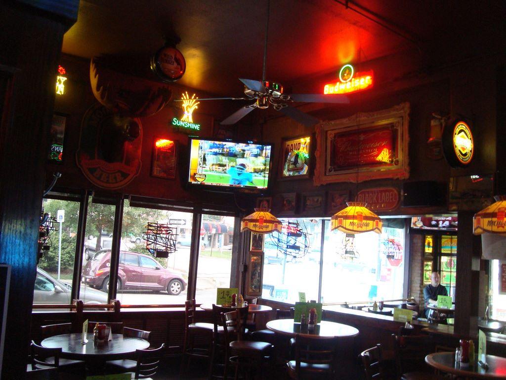 Tanner's Bar 2